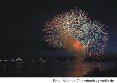 Silvesterfeier auf dem Rhein