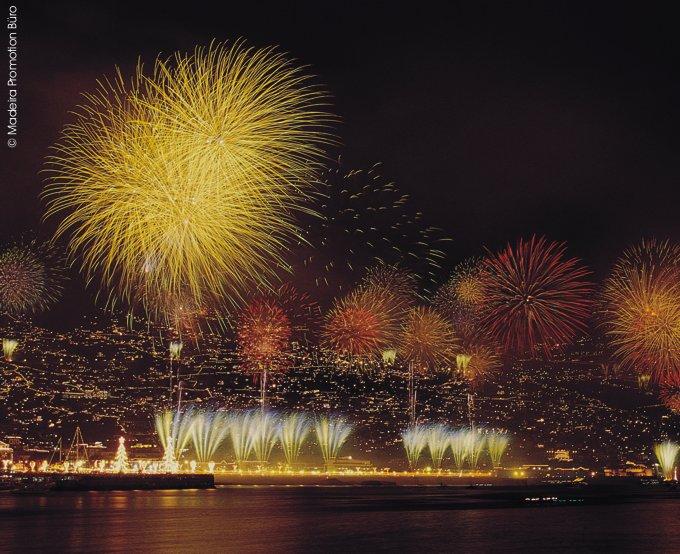Silvesterfeuerwerk Funchal © Madeira Promotion Büro