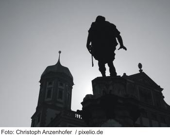 Gründer von Augsburg vor dem Rathaus