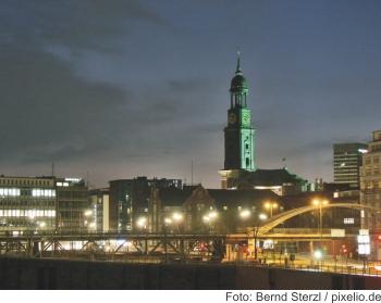 Hamburg Michel bei Nacht